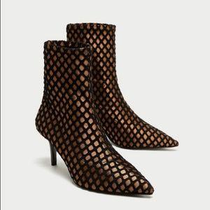 NWOT ZARA Mesh Pointed Toe Sock Ankle Heel Booties
